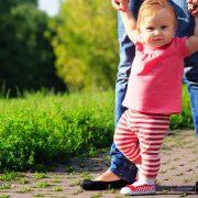 کاردرکانی کودکان و دیر راه افتادن کودک
