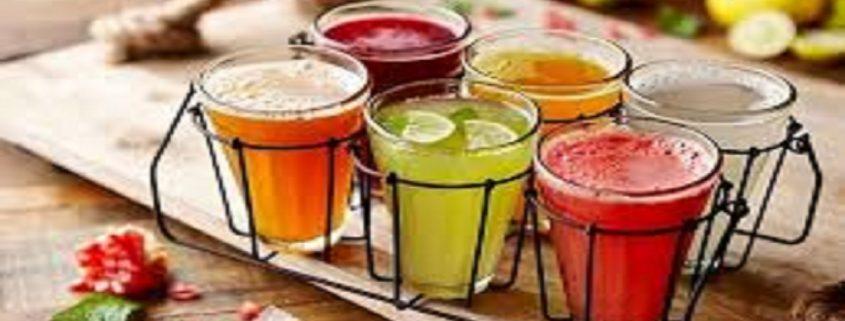 ۵ نوشیدنی طبیعی برای درمان مشکلات تارهای صوتی