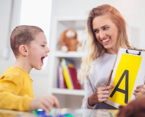 درمان لکنت زبان با گفتار درمانی